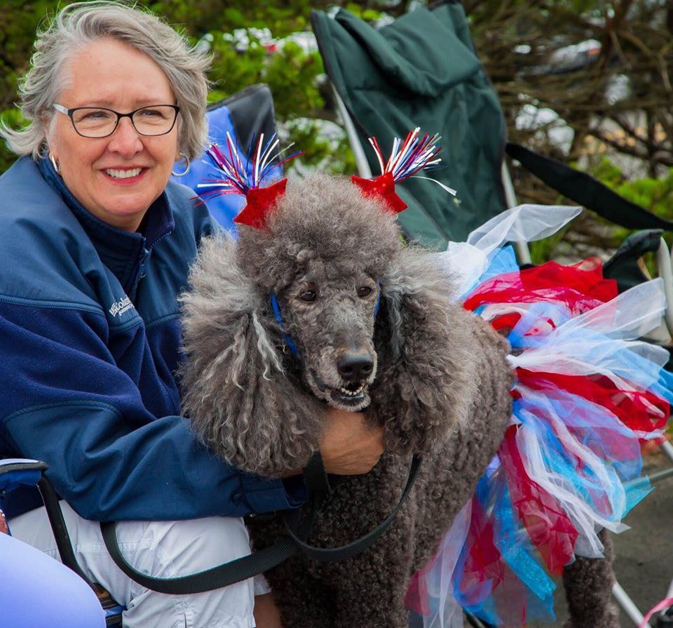 Gleneden Beach Parade 5 Poodle
