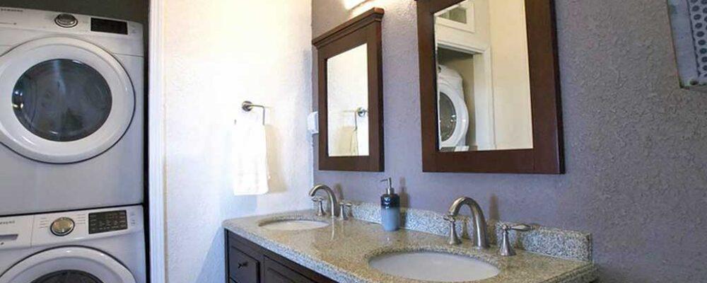 Sandy Toes Retreat Bathroom