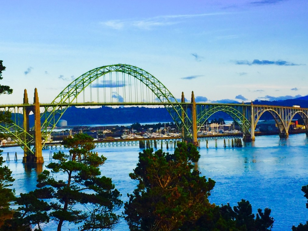oregon-coast-travel-newport-yaquina-bay-bridge