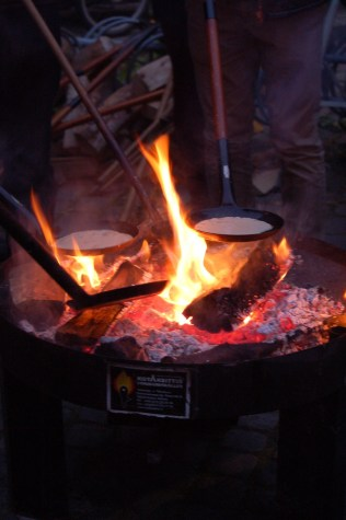 How to make pancakes on an open fire - Kulturnatten 2015, Copenhagen