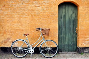 Copenhagen Bicycle Against Wall | Erin Gustafson | Oregon Girl Around the World