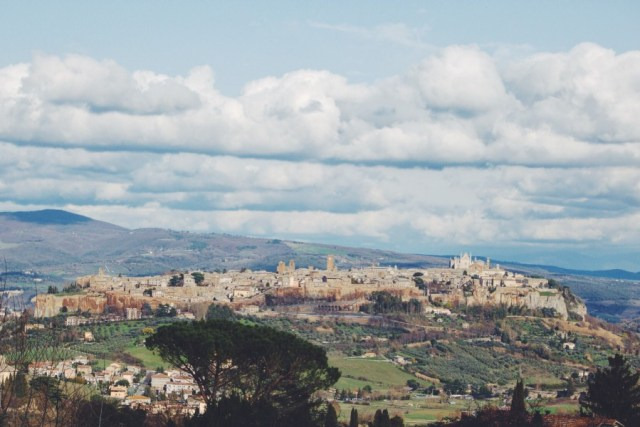The Most Charming Hill Town in Italy - Orvieto - www.oregongirlaroundtheworld.com