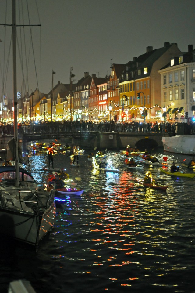 lucia kayak parade nyhavn canal copenhagen - Swedish Christmas Songs