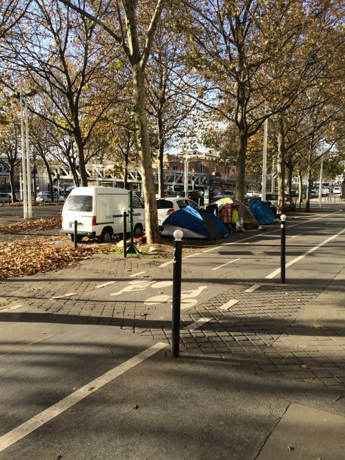 Vivre dans une tente, Paris, rive droite, novembre 2016