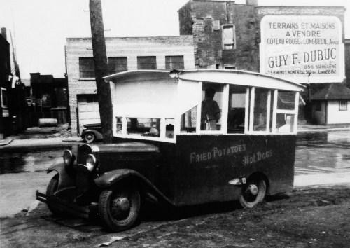 Archives Montréal, vendeur ambulant, Montréal, 1947
