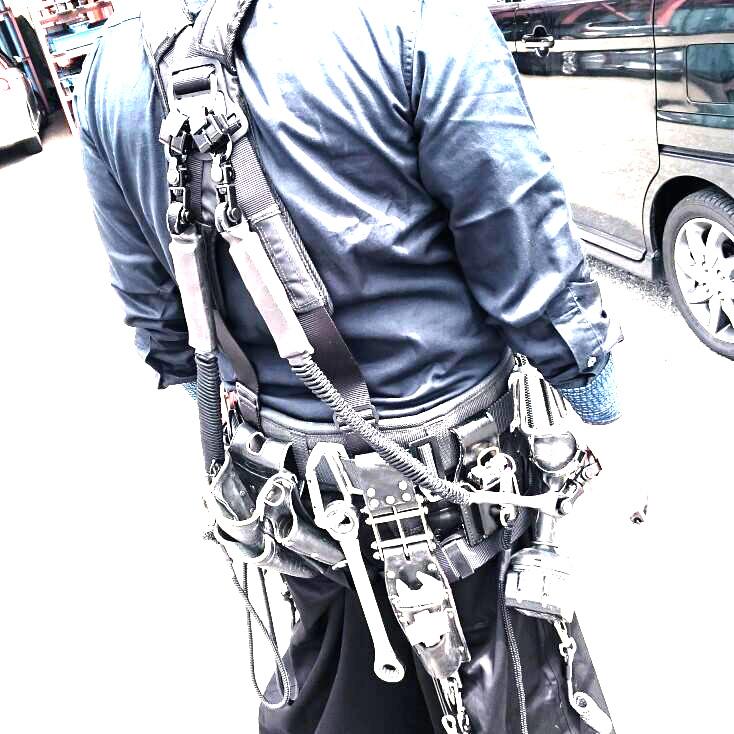 鳶職人さんが使用するフルハーネス(安全帯)について