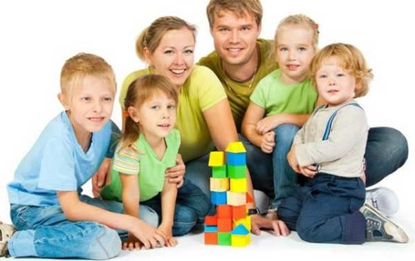 Что такое приемная семья в семейном праве и как получить ...