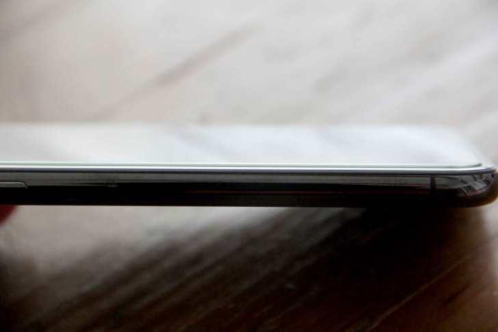 iPhoneXに液晶ガラスフィルムを貼った②写真