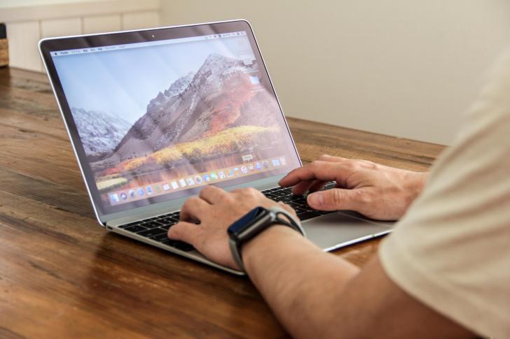 MacBookを使用している時の写真