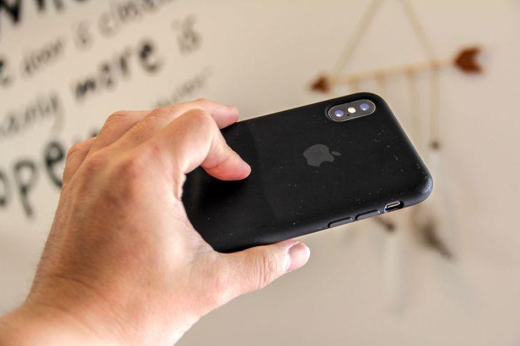 iPhoneXApple純正シリコンケースの写真3