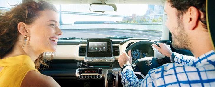 クロスビーの運転席&助手席の画像