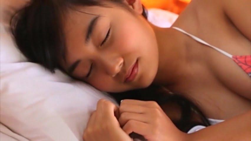 夏風ひかり(15)のガールフレンドは誰?クリームの理想的な塗り方に女子力を見る?!