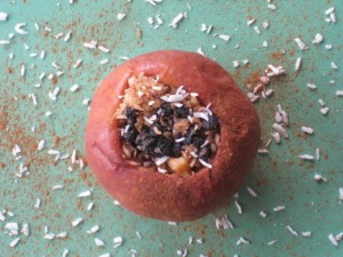 Baked apples are a great nutritious snack.