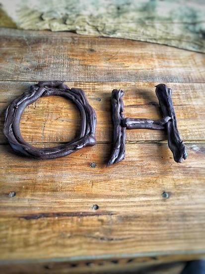 Chocoladeletters, Chocoladeletter, Chocoladeletter maken, Chocoladeletter puur, Zelf chocoladeletter maken, Zelf chocoladeletter maken zonder boter, Gezonde chocoladeletter maken, Gezonde chocolade letter, Gezonde chocoladeletters, sinterklaas, sinterklaasrecept, gezond sinterklaas recept, biologisch, biologische foodblog, organic happiness