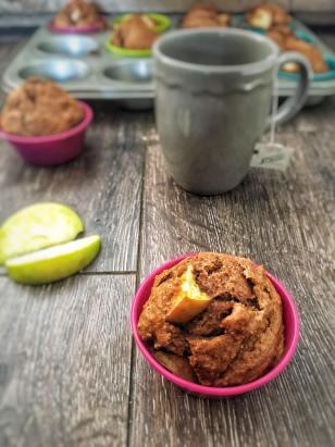 Appel muffins met kaneel, Appel kaneel muffins, Appel-kaneel muffins, Gezonde appel-kaneel muffins, Gezonde appel muffins, Appel muffins zonder melk, Appel kaneel cupcakes, Appel muffins recept, Appel muffins zonder boter, Appel muffins gezond, Appel muffins zonder suiker, Appelmuffins, organic happiness, biologisch, biologische foodblog