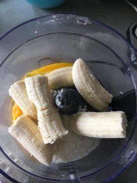 Pancakes met mango en kokos, Mango pannenkoekjes, Pannenkoekjes met mango, Gezondere pancakes met mango en kokos, Pannenkoeken van mango en banaan, Biologische pannenkoeken met mango en kokos, Kokos banaan pancakes met mango, Bananenpannenkoekjes, Bananenpannenkoekjes recept, Bananenpannenkoekjes met ei, Gezonde bananenpannenkoek zonder melk, Bananenpannenkoekjes met havermout en kokos, Ontbijtpannenkoekjes van banaan, Recept voor bananenpannenkoekjes, Gezonde bananenpannenkoekjes, Bananenpannenkoekjes havermout, organic happiness, biologisch, biologische foodblog