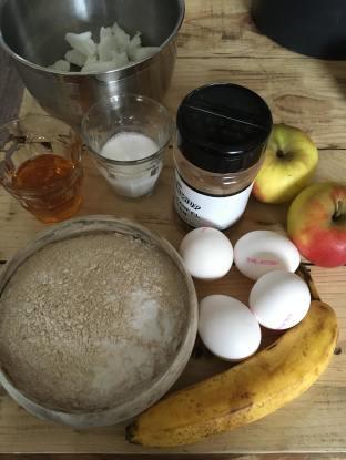 Tulband cake met appel en kaneel, Tulbandcake met appel en kaneel, Appel-kaneel tulbandcake, Appel kaneel cake in tulbandvorm, Tulband cake, Tulband recept, Tulband cake met appel, Tulband recept met appel, Tulband recept gezond, Recept voor tulband, Lekkerste tulband recept, Tulband cake recept, Tulband cake met appel bakken, Appel tulband cake, Appel kaneel cake, Organic Happiness, Biologische Foodblog, Biologisch