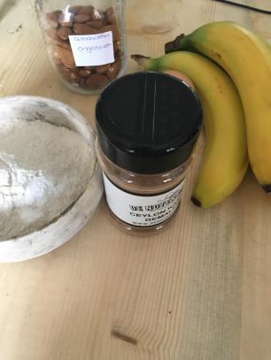 Bananenbrood met kaneel, bananenbrood, Bananenbrood recept, Bananenbrood gezond, Bananenbrood maken, Bananenbrood zonder suiker, Gezond bananenbrood, Bananabread recept, Bananenbrood boekweitmeel, Bananenbrood met noten, organic happiness, biologisch, biologische foodblog