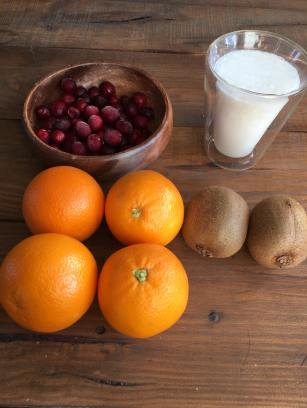 Cranberry smoothie met kiwi, Cranberry kiwi smoothie, Cranberry smoothie, Cranberry smoothie maken, Cranberry smoothie recept, De lekkerste cranberry smoothie, Organic Happiness, Biologisch, Biologische Foodblog