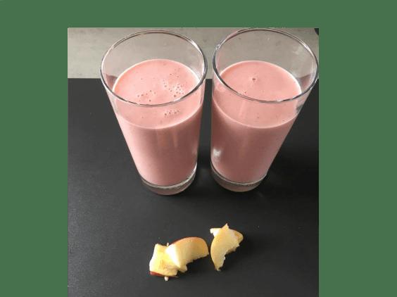 Appel smoothie met aardbeien en kokosyoghurt, Appel smoothie maken, Appel smoothie met yoghurt, Appel smoothie recept, Smoothie met aardbeien en appel, Aardbeien smoothie, Appel aardbei smoothie, Aardbei appel smoothie maken, Smoothie kokosyoghurt, Smoothie met kokosyoghurt, Frisse smoothie met kokosyoghurt, Aardbei en yoghurt smoothie, Ontbijt smoothie aardbei, Aardbei appel smoothie, Organic Happiness, Biologisch, Biologische Foodblog