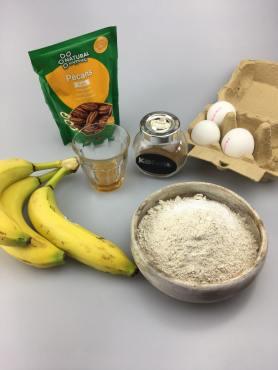 Bananenbrood muffins, Bananenbrood muffins gezond, Bananabread muffins, Gezonde bananenbrood muffins, Bananenbrood muffins met pecannoten, Banaan pecan muffins, Bananenbrood muffins recept, Banaan speltmuffins, Banaanmuffins met pecannoten, Bananen muffins, Gezonde muffins, Bananenbrood gezond, Recept muffin, Organic Happiness, Biologisch, Biologische Foodblog
