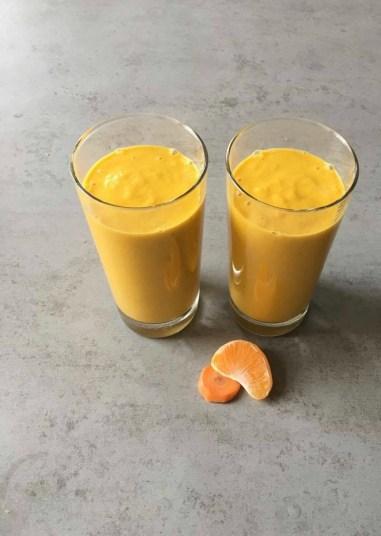 Smoothie met kokos en wortel, Smoothie met kokoswater, Smoothie met wortel, Smoothie met wortel en yoghurt, Wortel smoothie recept, Wortel smoothie gezond, Kokos smoothie, Kokos smoothie recept, Kokos smoothie maken, Oranje smoothie wortel, Wortel mandarijn smoothie, Organic Happiness, Biologisch, Biologische Foodblog