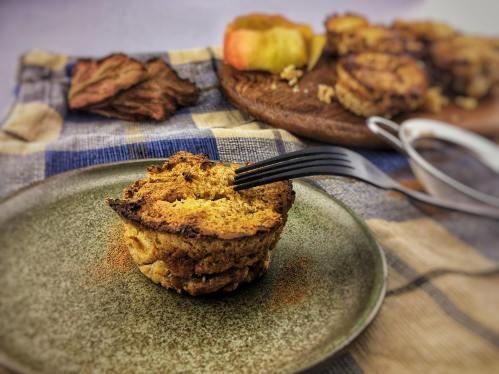 Ontbijtmuffins met appel, Ontbijt muffins met appel, Ontbijtmuffins met appel en kaneel, Ontbijt muffins met havermout en appel, Ontbijtmuffins maken, Havermoutmuffins met appel en kaneel, Ontbijtmuffins met havermout, Gezonde appel kaneel muffins, Appeltaart havermout muffins, Havermoutmuffins met appel, Havermout muffins zonder banaan, Organic Happiness, Biologisch, Biologische Foodblog