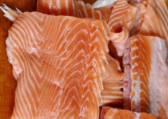 Kak posolit 'losos' v domashnih Usloviyah vkusno5