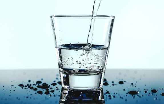 drink more water | money saving tips | 31 simple ways to save money each month