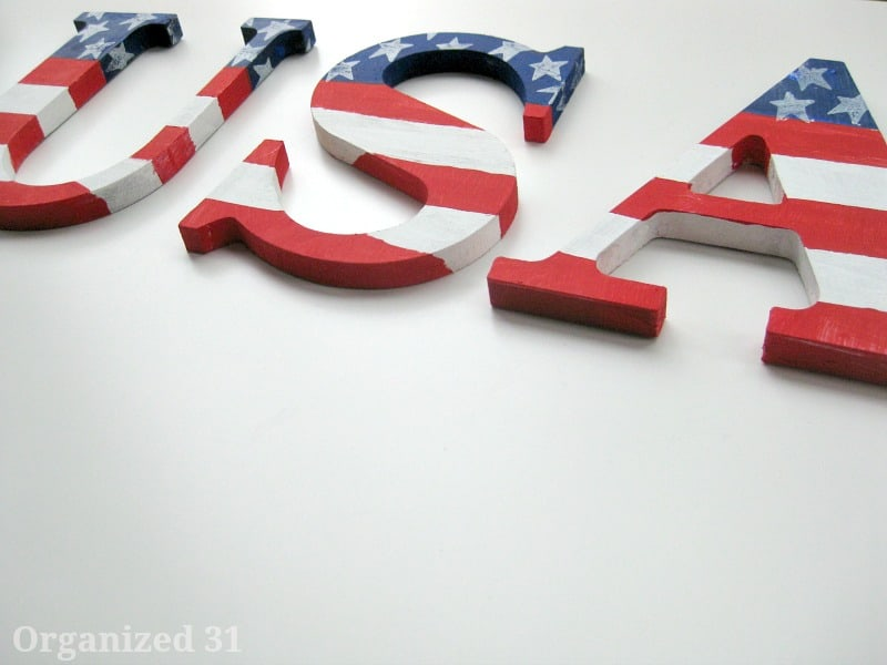 Easy Painted Patriotic Decoration - Organized 31