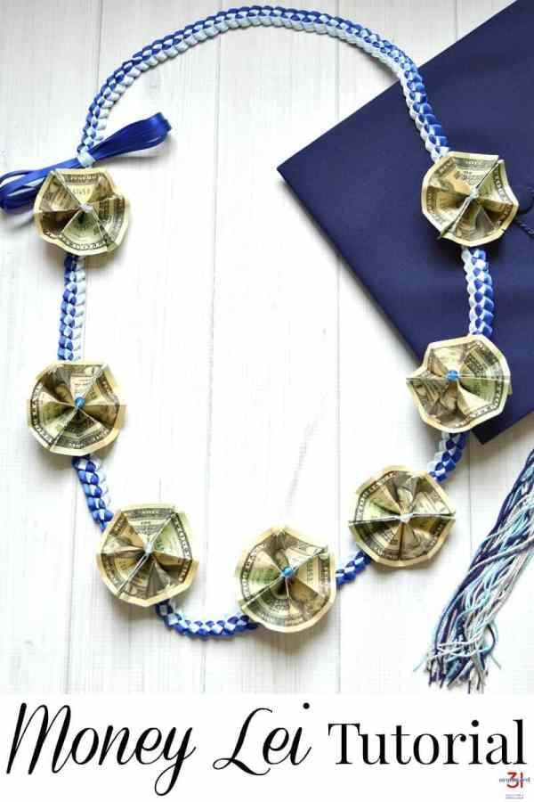 Money Lei Tutorial with Ribbon Lei - Organized 31