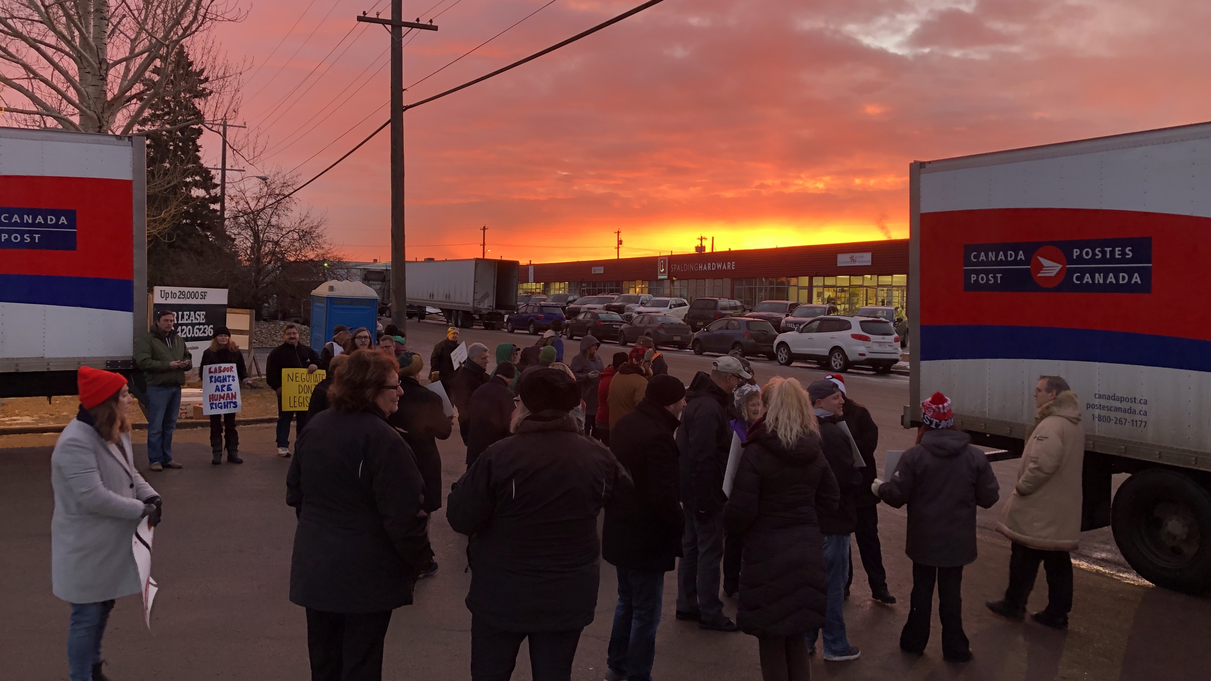 Holding the line: supporters picket Canada Post after back-to-work legislation