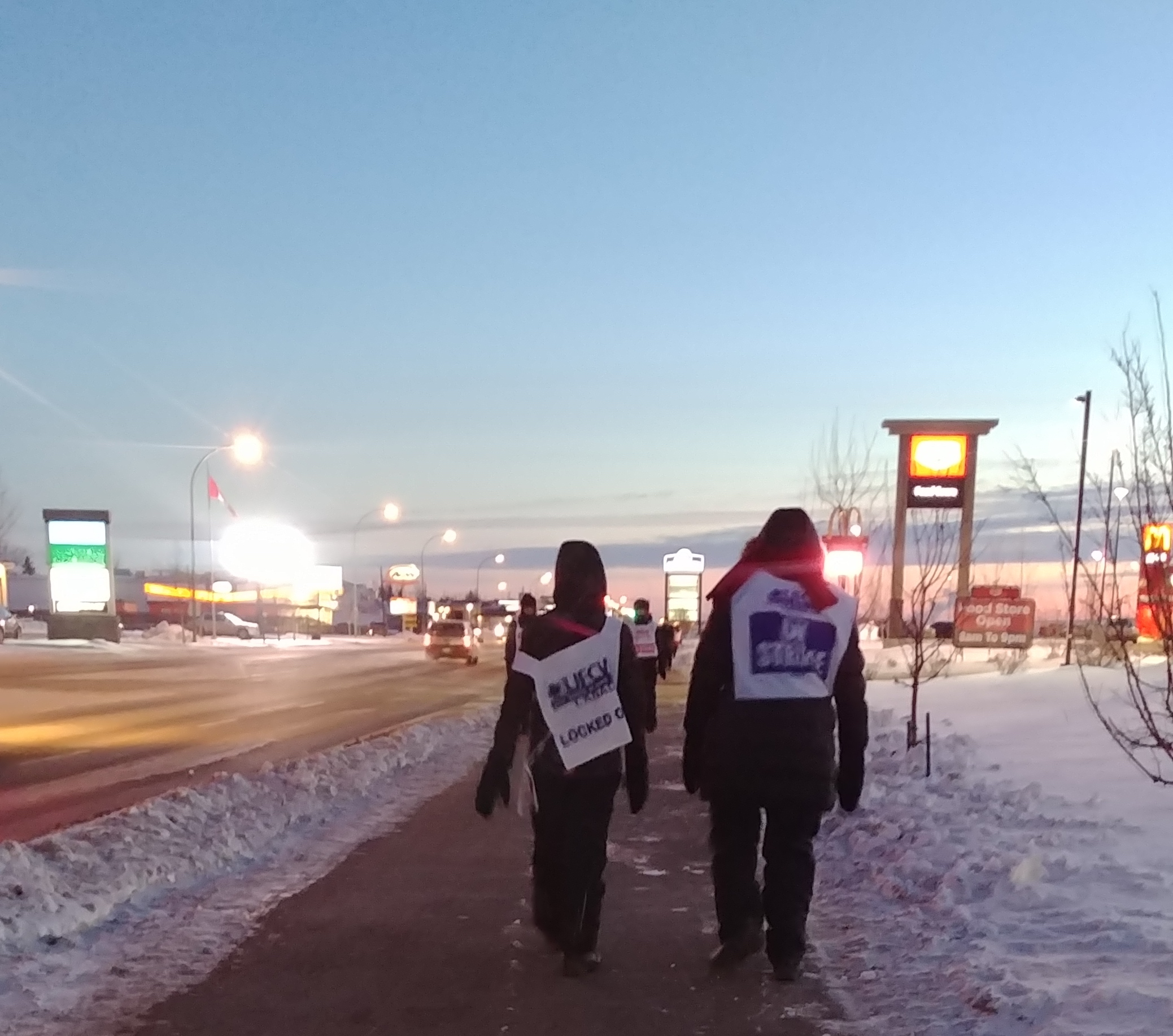 Grocery workers refuse a two-tier wage system