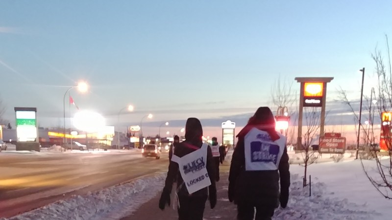 Saskatoon Co-op workers walk the picket line in freezing temperatures, 2019 | Image courtesy of the interviewee