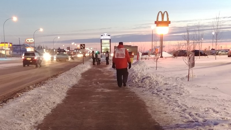 Saskatoon Co-op workers walking the picket line in freezing temperatures, 2019