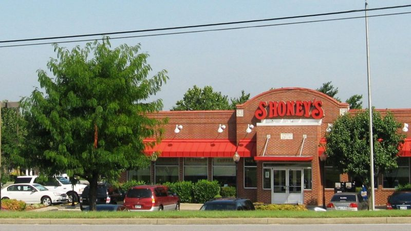 A Shoney's restaurant location | Wikimedia Commons