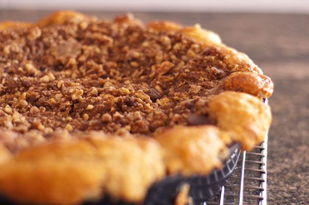 coffee cake with streusel topping
