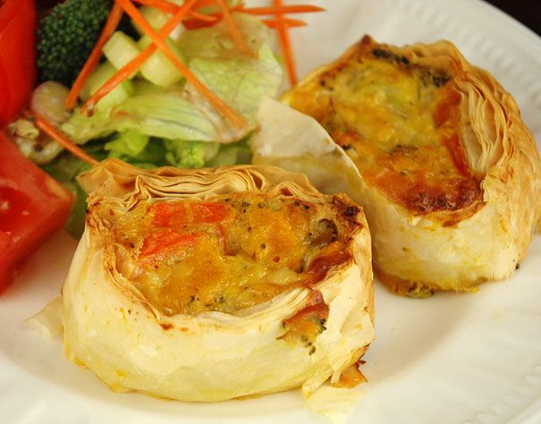Cheesy veggie roll