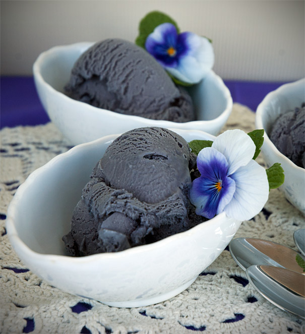 how to make licorice ice cream