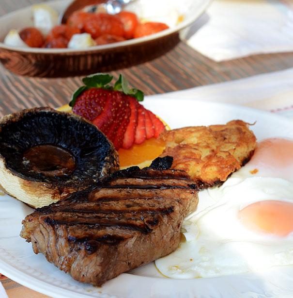 ultimate steak and eggs breakfast