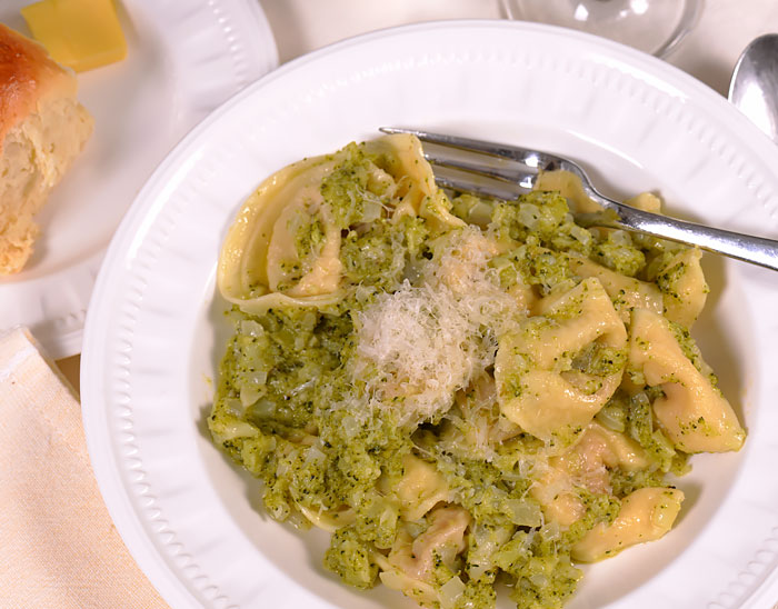 Tortellini with Broccoli Sauce