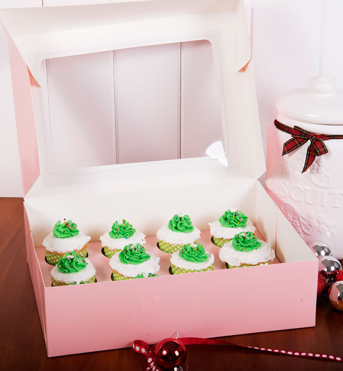 Vanilla Cupcakes in a PackQueen Cupcake Box