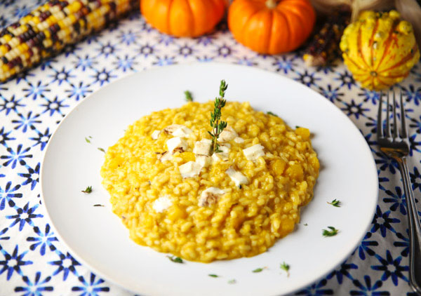This Easy Pumpkin & Smoked Mozzarella Risotto is perfect for fall! Every bite is bursting with so much flavor!