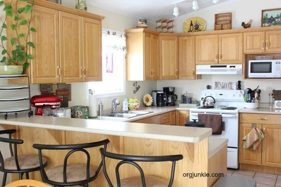 organized kitchen 1