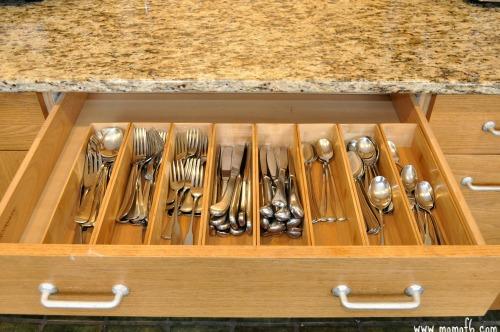 Organizing Kitchen Drawers2