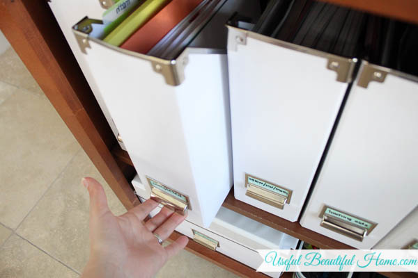 Best way to keep homeschool subjects organized and tidy!