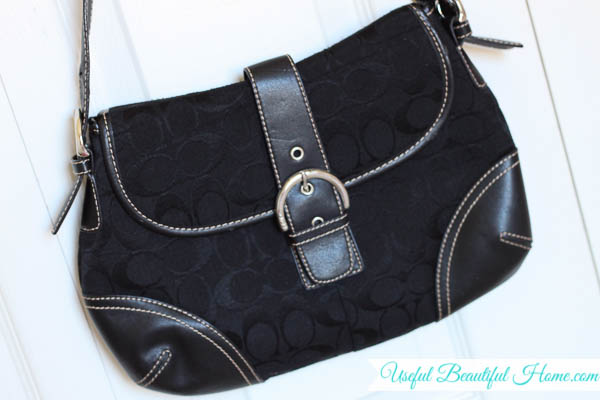 keep a neutral purse for easy mornings