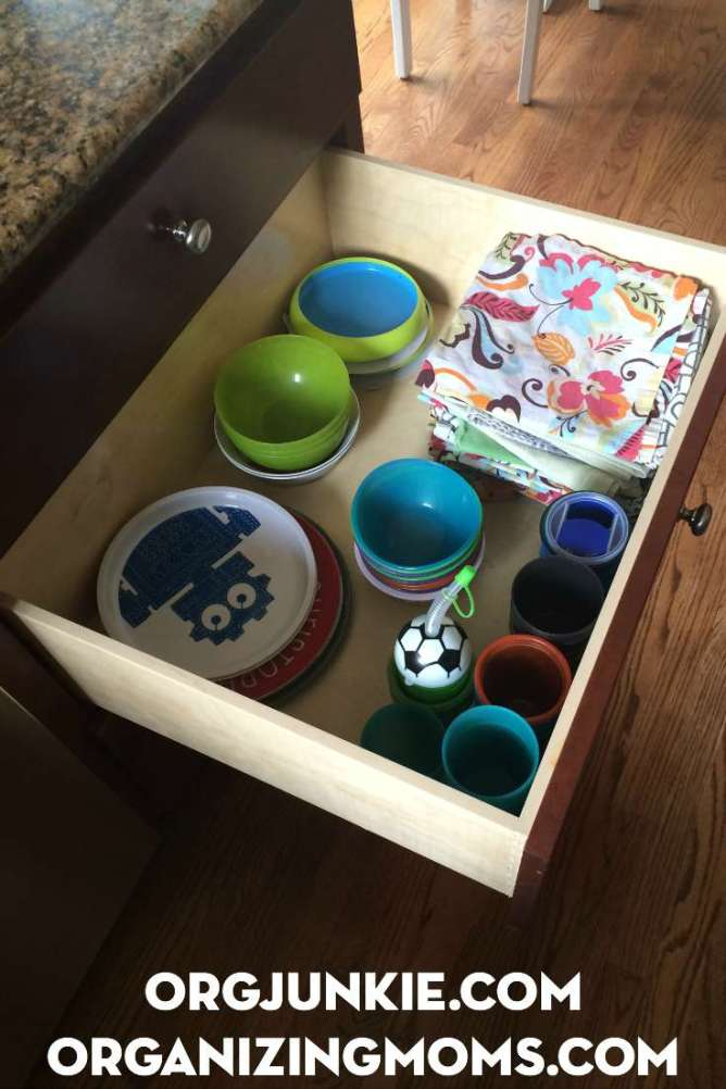 drawer-for-little-helpers