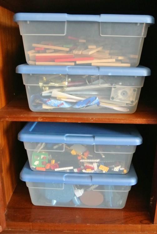 stack clear bins