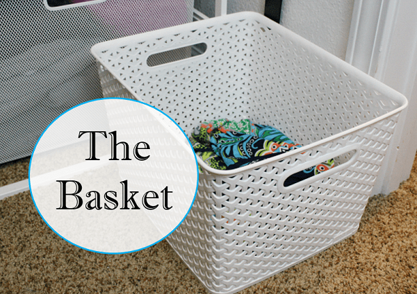 A super easy method for cleaning out your closet at I'm an Organizing Junkie blog